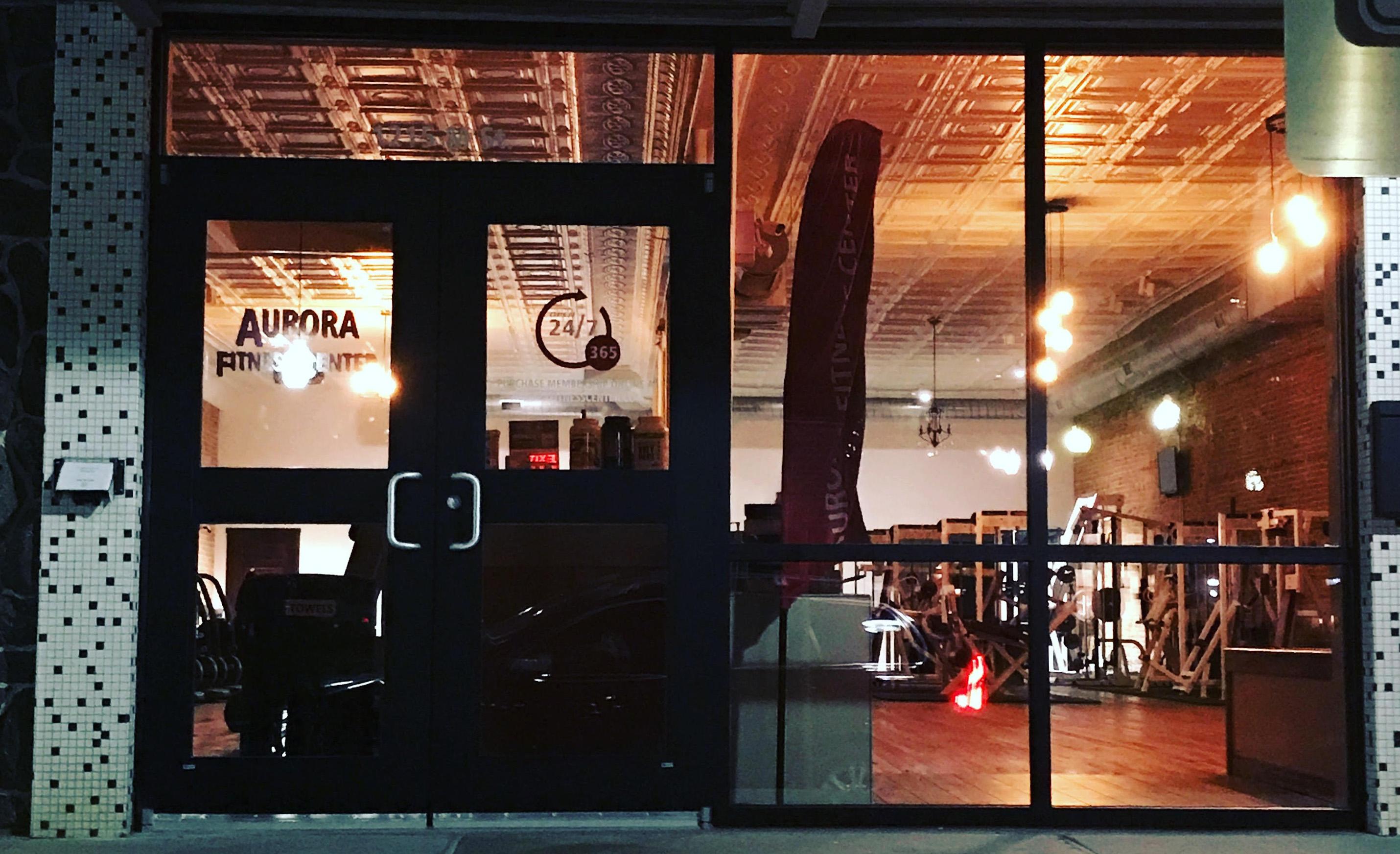 24/7 gym in Aurora NE